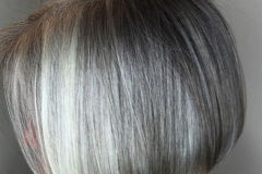 2-gray-bob-with-platinum-highlights